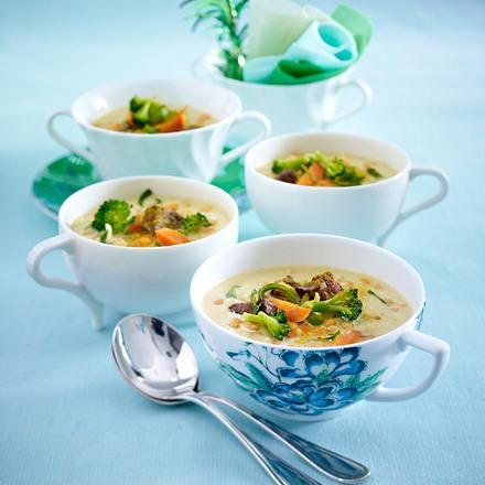 Currysuppe mit Gemüse und Rindfleisch Rezept