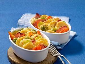 Deftiger Gemüseauflauf mit Kasseler und Kartoffelknödel Rezept