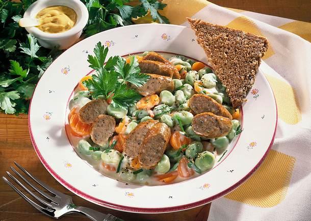 Dicke Bohnen, Möhren und Bratwurst Rezept