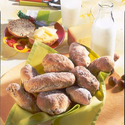 Dinkel-Nuss-Brötchen Rezept
