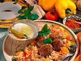 Djuvec-Reis mit Hackbällchen Rezept