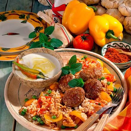 Djuwetsch-Reis zu Hacktalern mit Joghurtsoße Rezept