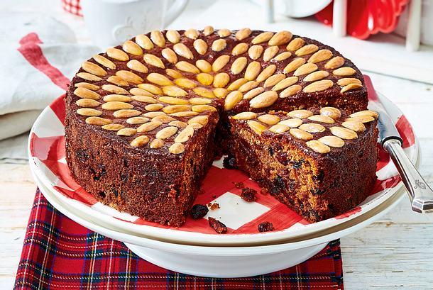 Dundee Cake (schottischer Früchtekuchen) Rezept
