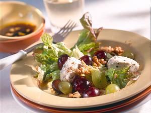 Eichblattsalat mit Käsekugeln Rezept