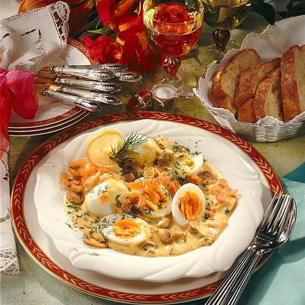 Eier in Champignon-Zwiebel-Senf-Soße Rezept