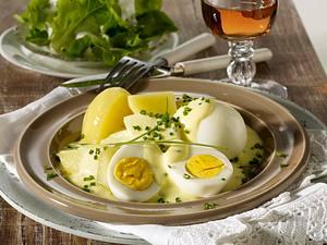 Eier in Senf-Schnittlauch-Soße Rezept