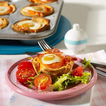 Eier-Toast-Körbchen mit Spargel Rezept