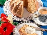 Eierlikör-Krokant-Napfkuchen Rezept