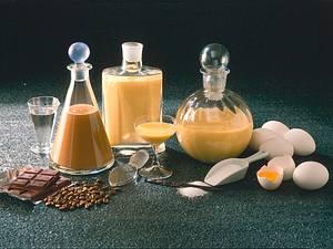 Eierlikör und Schoko-Eierlikör Rezept