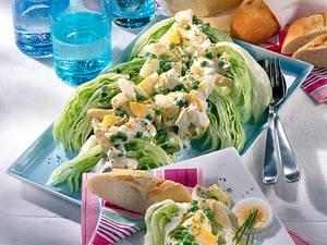 Eisbergschiffchen mit Eier-Geflügel-Salat mit frischem Spargel Rezept