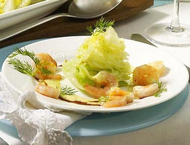 Eisbergschiffchen mit Shrimps Rezept