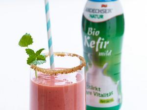 Eiskalter Erdbeer-Kefir-Daiquiri Rezept