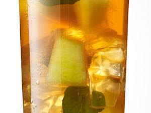 Eistee mit Galiamelone und Minze Rezept