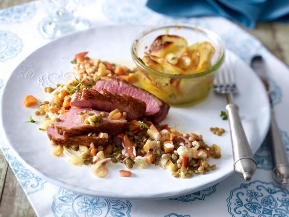 Entenbrust auf Calvados-Linsen mit Kartoffelgratin Rezept
