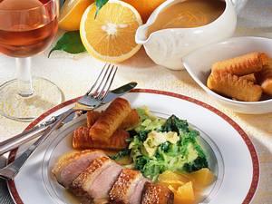 Entenbrust à l'Orange mit Butterwirsing und Kroketten Rezept