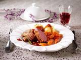 Entenbrust mit Granatapfelsoße und Knödeln Rezept