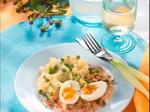 Erbsen-Kartoffelpüree zu wachsweichem Ei mit Specksoße Rezept