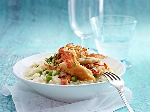Erbsen-Pancetta-Risotto mit knusprigem Hähnchenfleisch Rezept