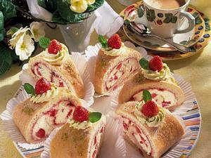 Erdbeer-Biskuitrolle Rezept