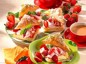 Erdbeer-Blätterteig-Teilchen Rezept