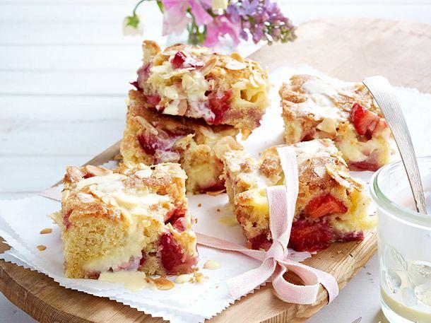 Erdbeer-Butterkuchen mit Puddingflecken Rezept
