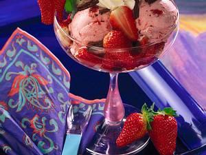 Erdbeer-Eisbecher Rezept