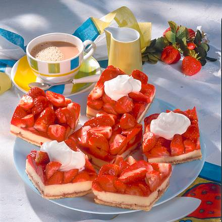 Erdbeer-Grieß-Schnitten Rezept