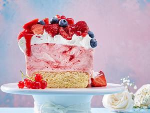 Erdbeer-Himbeer-Eisschnitten Rezept