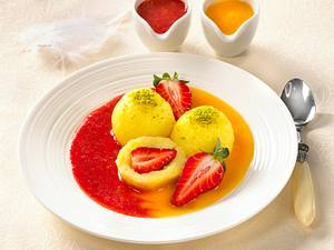 Erdbeer-Kartoffelknödel mit Obstsorten Rezept
