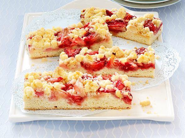 Erdbeer-Rhabarber-Streifen mit Ingwerstreuseln Rezept