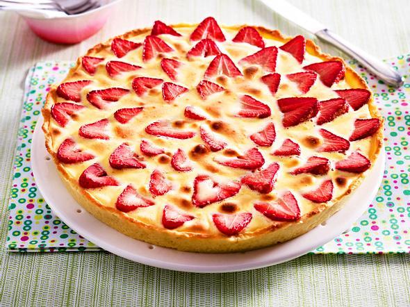 Erdbeer-Rhabarber-Tarte mit Zabaione-Creme Rezept
