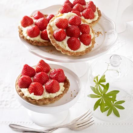 Erdbeer-Tarteletts mit Puddingcreme Rezept