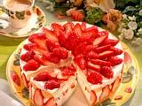 Erdbeer-Torte mit Sektcreme Rezept