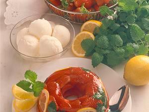 Erdbeeren in Weingelee Rezept