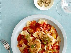 Farfalle mit Tomatenragout und Kabeljaumedaillons Rezept