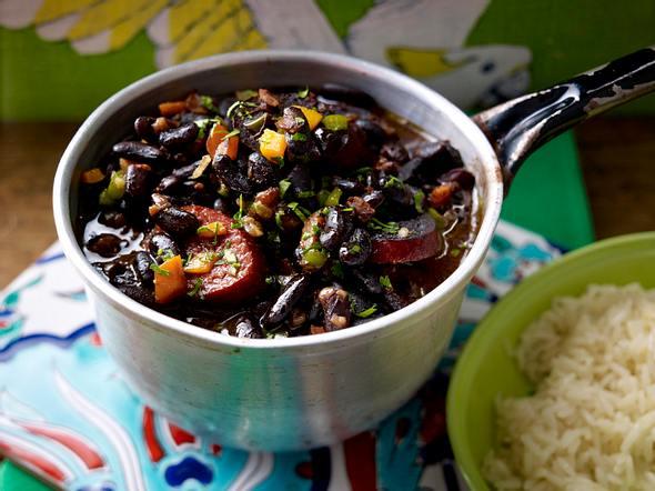 Feijoadinha (Schwarze Bohnen mit Cabanossi) Rezept