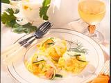 Feine Bandnudelnester mit Lachs-Zucchinisoße Rezept
