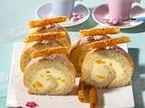 Feine Pfirsich-Krokant-Biskuitrolle Rezept