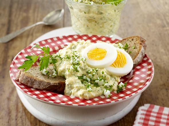 Feiner Eiersalat auf Bauernbrot Rezept