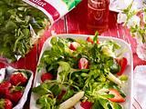 Feldsalat mit Spargel und Erdbeeren Rezept