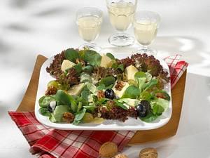 Feldsalat mit Trauben und Käse Rezept