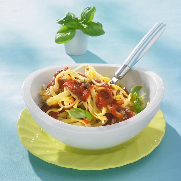 Fettuccine mit Tomatensoße (Diät) Rezept