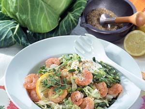 Feuriger Krautsalat mit Knobi-Garnelen Rezept