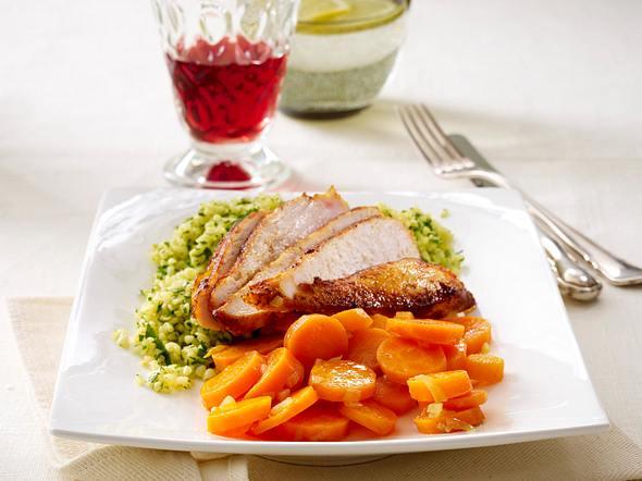 Feuriges Hähnchenfilets zu Petersilien-Bulgur und Koriander-Möhren Rezept