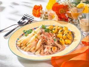 Filetspitzen-Gulasch mit Spargel Rezept
