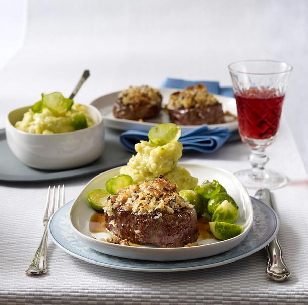 Filetsteaks mit Pilz-Walnuss-Kruste zu Kartoffel-Rosenkohl-püree Rezept
