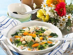 Finnische sommerliche Gemüsesuppe Rezept