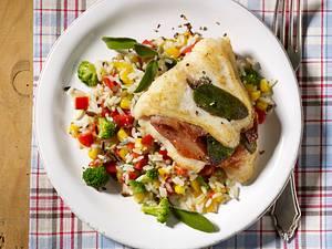 Fisch-Saltimbocca auf Gemüsereis Rezept