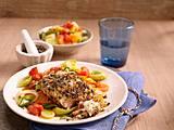 Fischfilet mit Pfefferkruste auf Gemüse Rezept