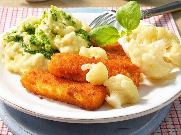 Fischstäbchen mit Pesto-Püree Rezept